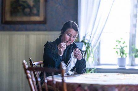 Maria Norgren som Stina-Lisa Nors