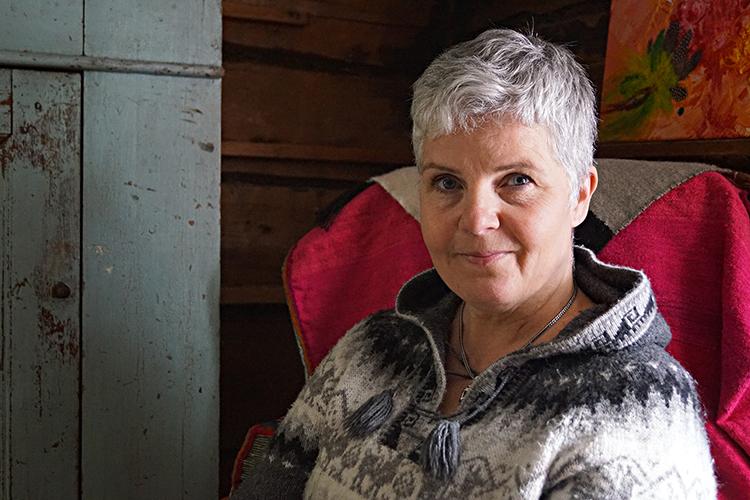Maria Östlund driver hästgård i Hassela